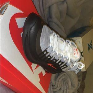 Nike air Maxis Axis